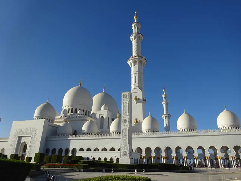 Sheikh Zayed Grand Mosque in Abu Dhabi UAE