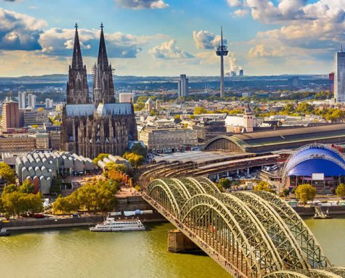 Cologne dom and train station (bahnhof)