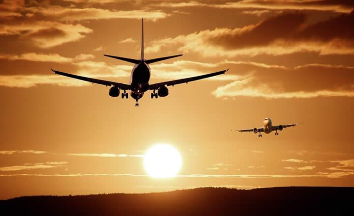 Dubai International Airport planes