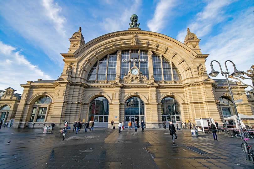 Entrance of Frankfurt Hauptbahnhof station