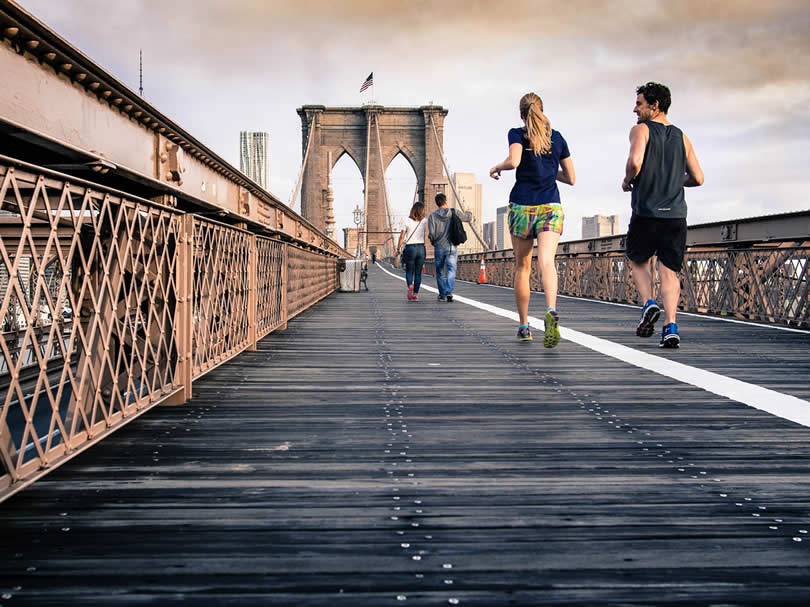 New York Brooklyn Bridge runners