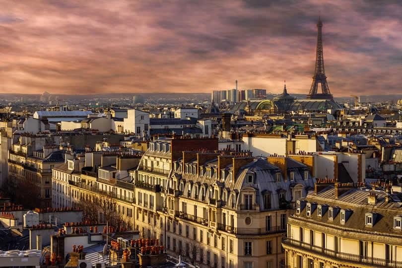 Paris Eiffel Tower Neighborhood